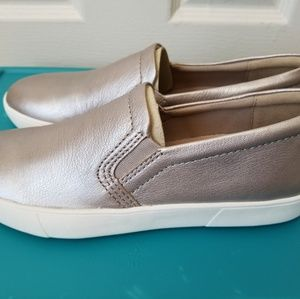 Naturalizer Marianne Sneakers (size 7)